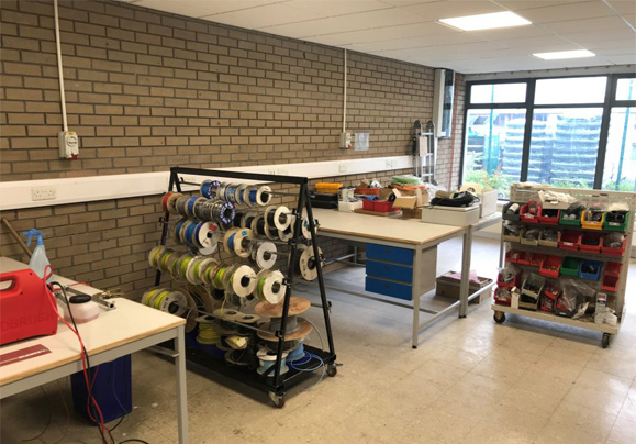Apprentice electronics room